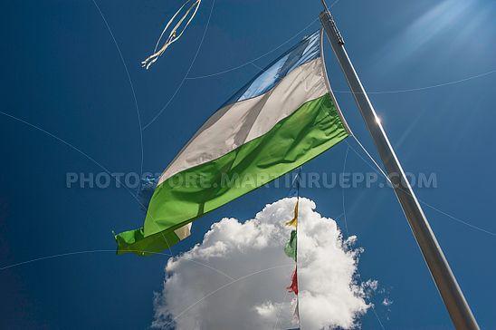 Fahne mit den Farben Ladiniens