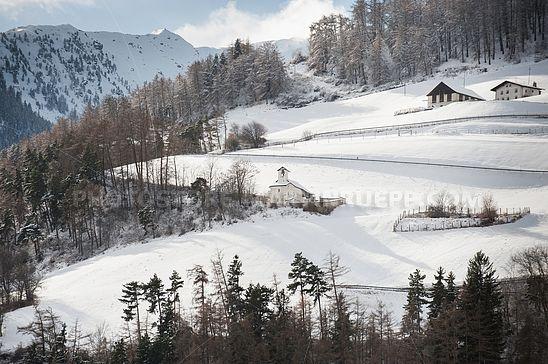 Winterlandschaft und St. Stefan bei Burgeis