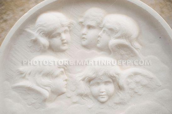 Engel-Relief aus Marmor