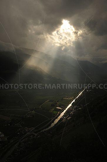 Blick von oben in den Vinschgau