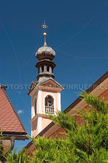 Turm der Wallfahrtskirche in Maria Saal