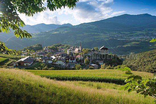 Dorf Gufidaun