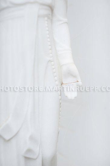 Detail einer reparierten Marmorfigur