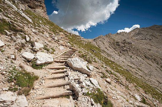 Weg zum Crespeina-Joch