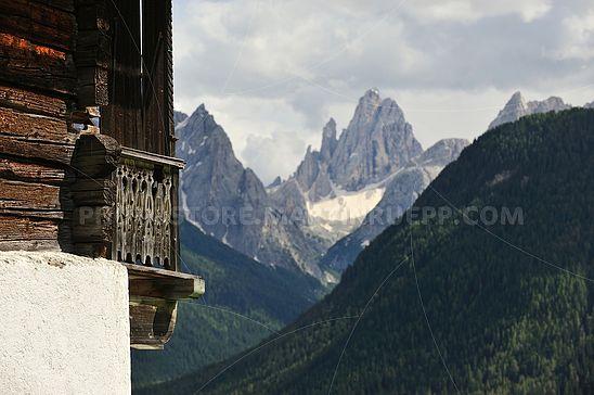 Balkon mit Aussicht in den Sextner Dolomiten