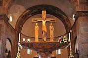 Romanische Kreuzigungsgruppe
