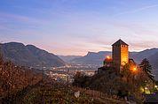 Schloss Tirol und Blick über Meran