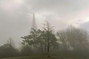 Pfarrkirche Elvas im Nebel