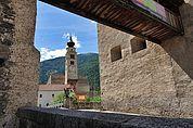 Blick zum Turm der Pfarrkirche Glurns
