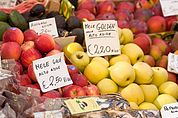 Am Obstmarkt in Bozen