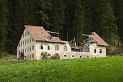 Verfallenes Wirtschaftsgebäude