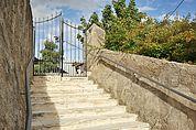 Stufen am Friedhof von Kortsch