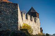 Ringmauer und Hexenturm von Schloss Summersberg