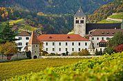 Kloster Neustift im Herbst